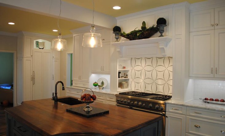 Red house cabinets kitchens gallery custom cabinets for Kitchen cabinets raleigh nc
